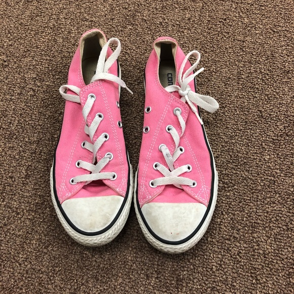 Converse Shoes   Pink Low Top Size 3